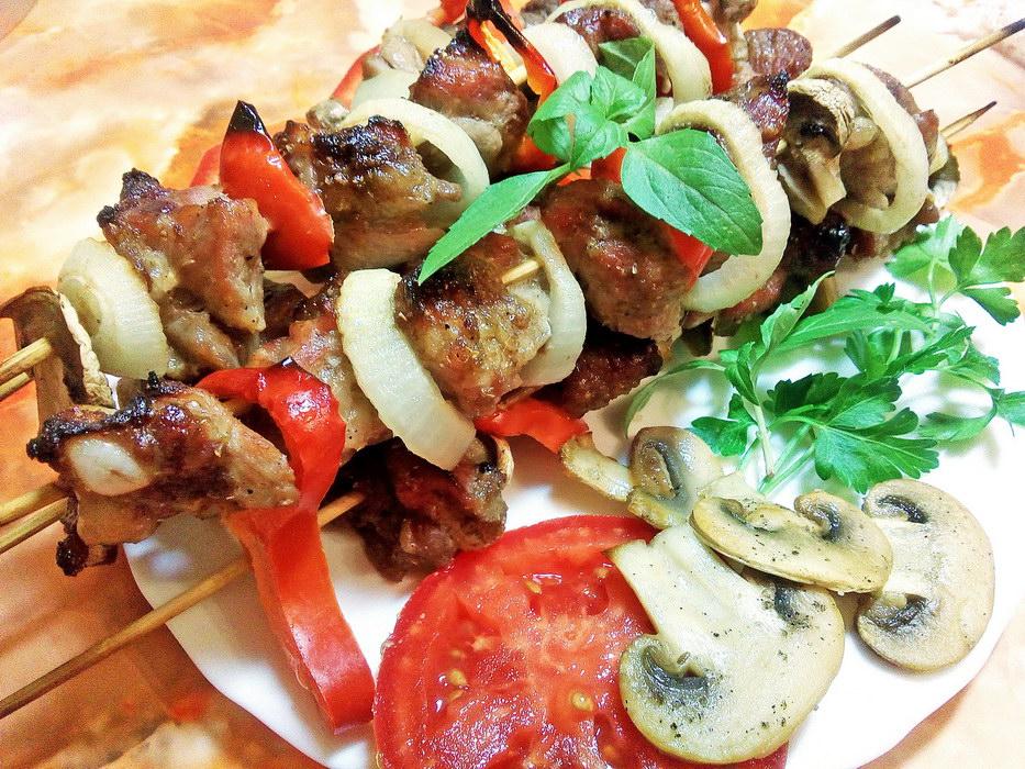Рецепт изумительного шашлыка из свинины в духовке