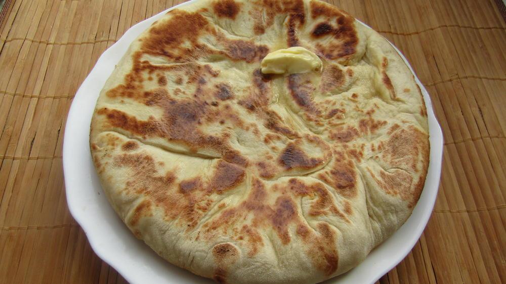 Грузинские ХАЧАПУРИ — хорошее тесто и много сыра