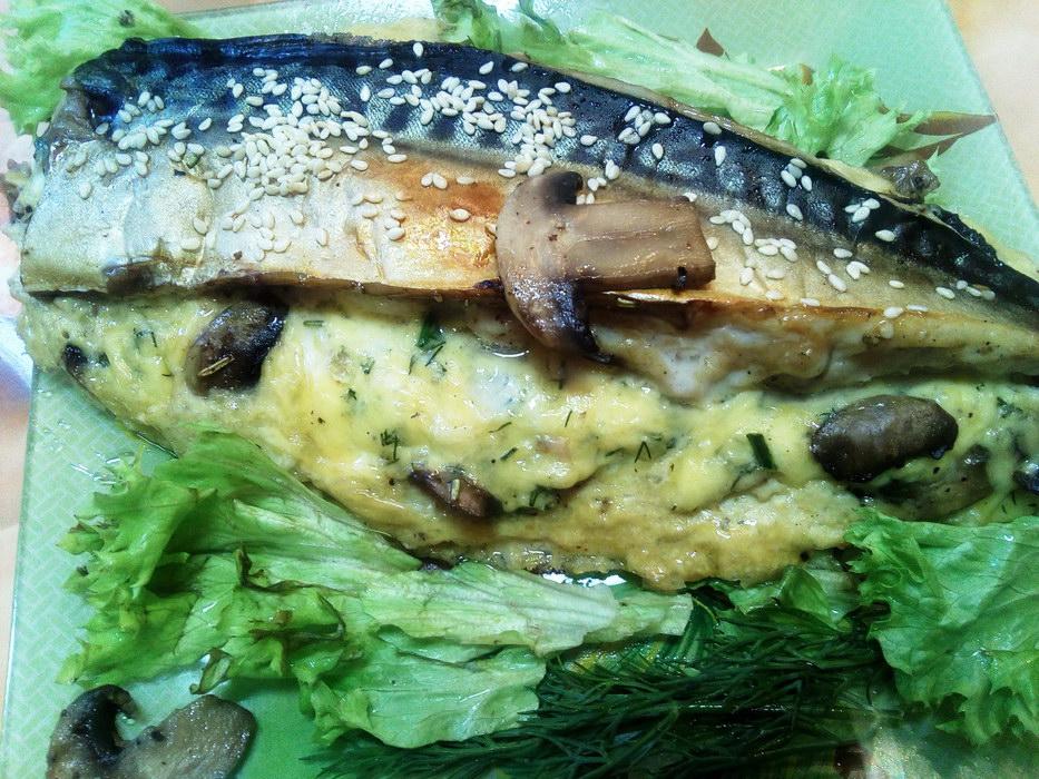 Скумбрия, запеченная в фольге с вкуснейшей начинкой