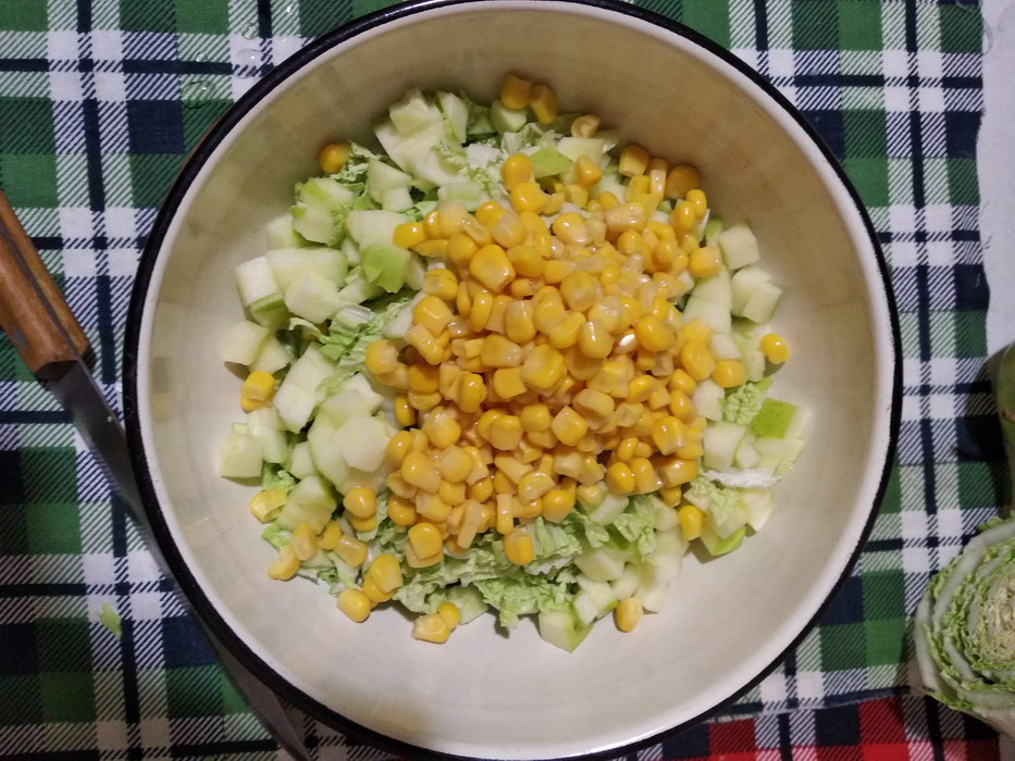 Добавим кукурузу