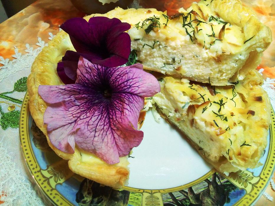 Пирог с творогом и сыром за полчаса