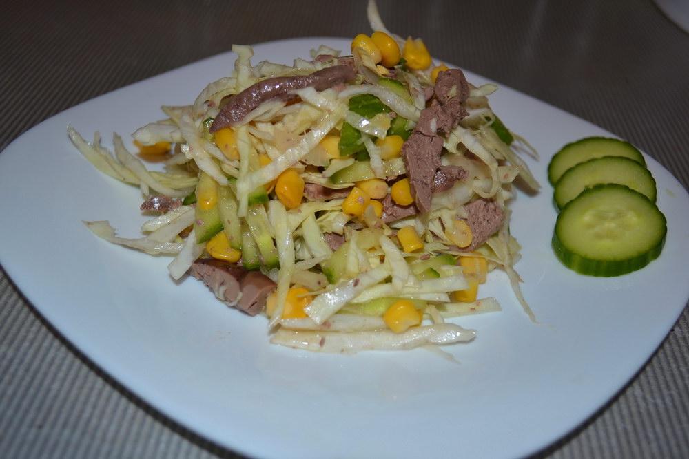 Новый печёночный салат — сытно, свежо и вкусно