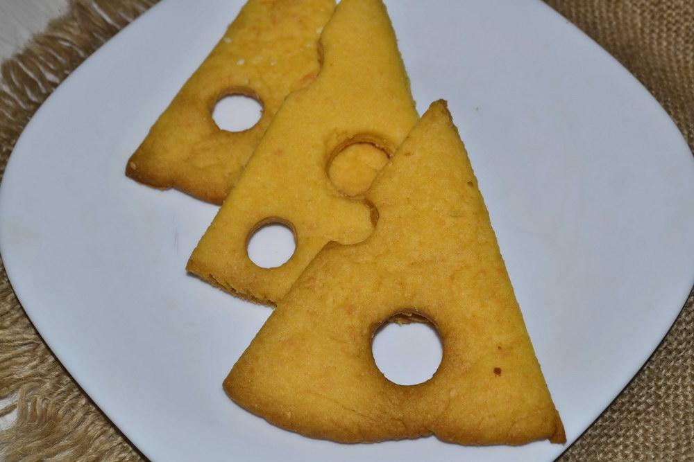 """Домашний """"Сырный крекер"""" — рассыпчатое и хрустящее печенье, расходится за одно чаепитие"""