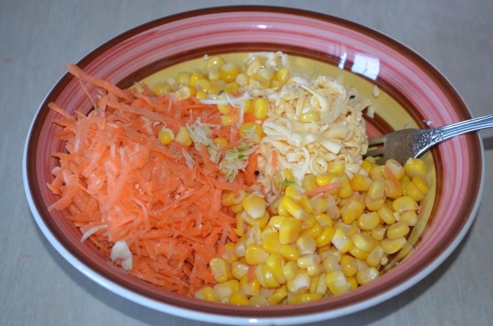 Всё сложить в салатник