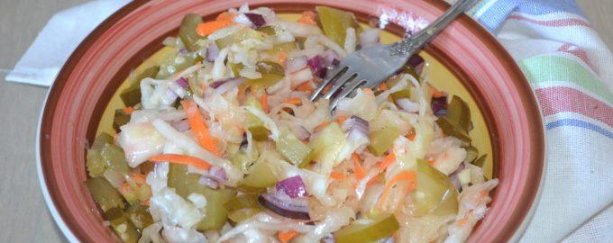 """Зимний салат из квашеной капусты """"Проще не придумаешь"""""""