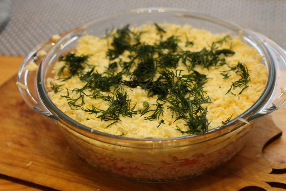 Легкий нежный салат «Вкусный» с крабовыми палочками