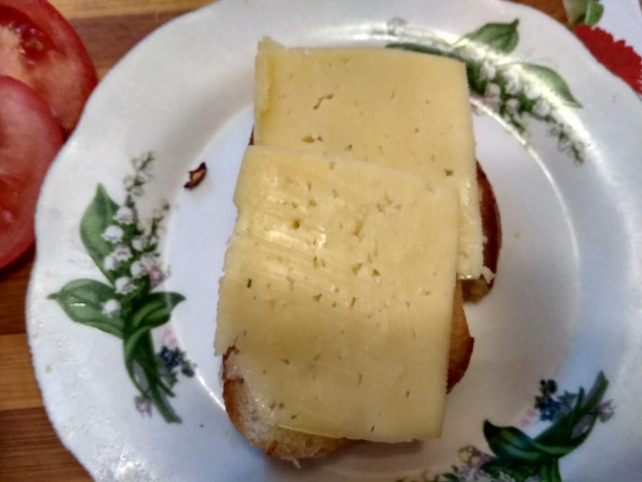 Выкладываем бутерброд