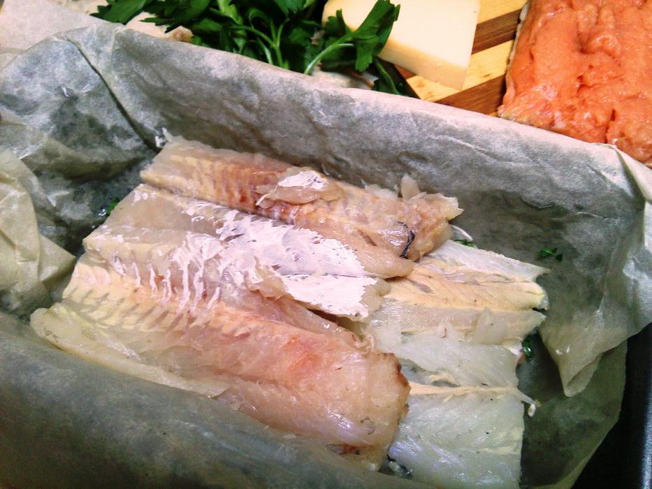Слой филе белой рыбы