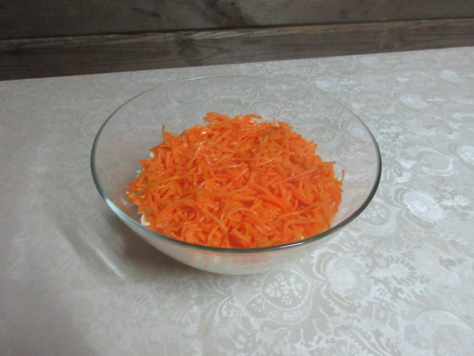 Выложить корейскую морковь