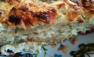 Необычный пирог из рваного лаваша с сыром и свежей зеленью