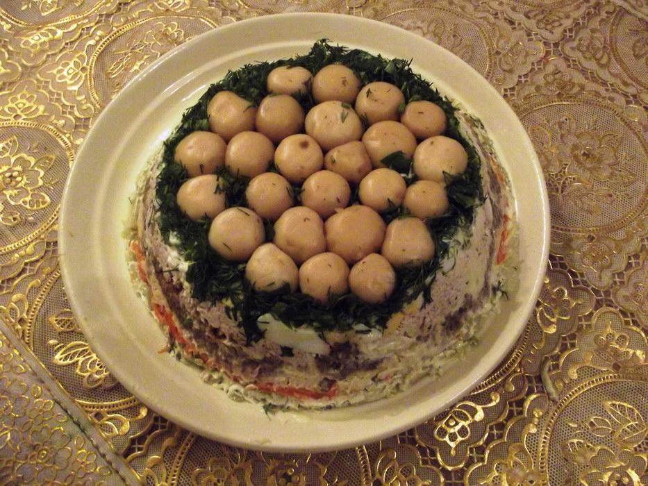 Очень сытный и красивый салат «Грибная полянка» (мой вариант приготовления)