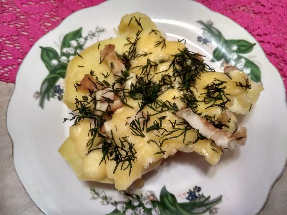 Картофель со шкварками