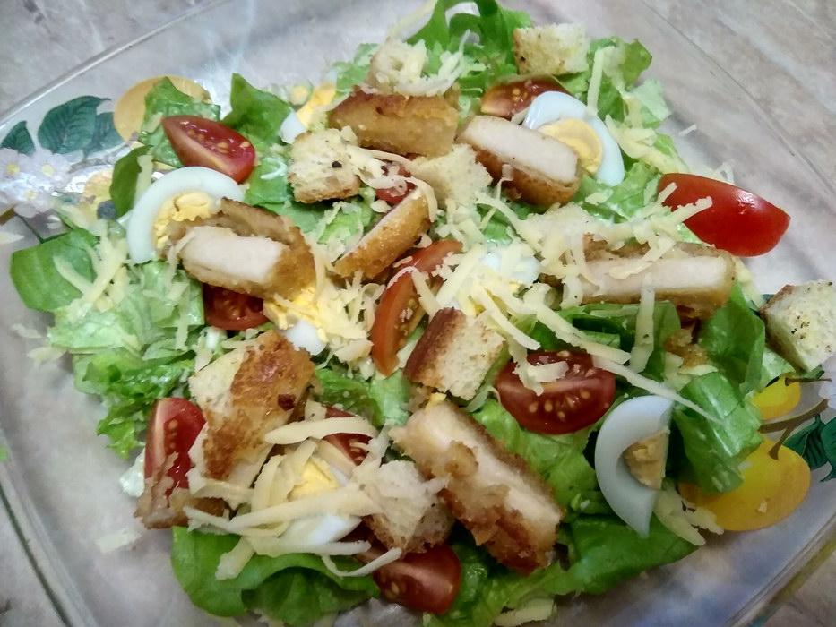 Салат с наггетсами