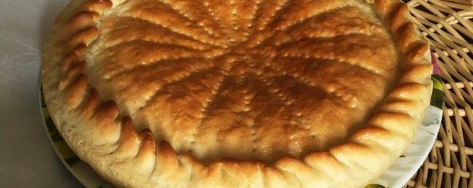 Проверенный рецепт отличного пирога. Главное тесто – простое, послушное и пышное