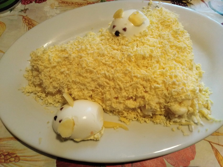 Лёгкий салат «Кусочек сыра»