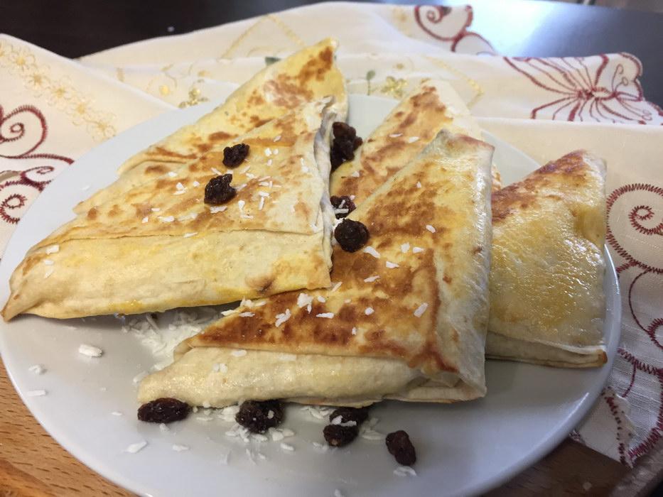 Хрустящие конвертики из лаваша – очередной рецепт выпечки без теста на минимум калорий