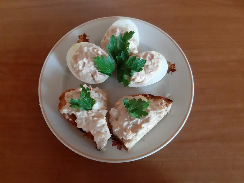Простая и оригинальная закуска из печени трески «По-мурмански»