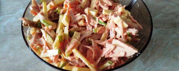 Салат «Студенческий» - очень калорийный и вкусный