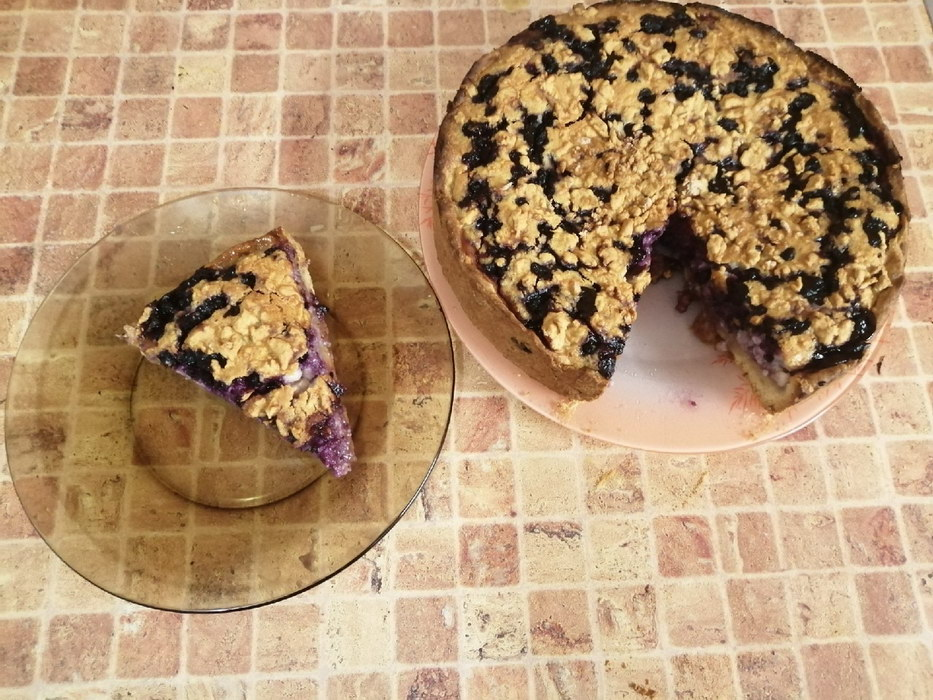 Мой главный летний пирог, люблю его за богатую чернику и быстроту приготовления