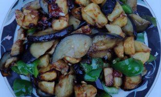Китайское блюдо «Три земных свежести» («Ди-сань-сень») - очень популярно среди русских туристов