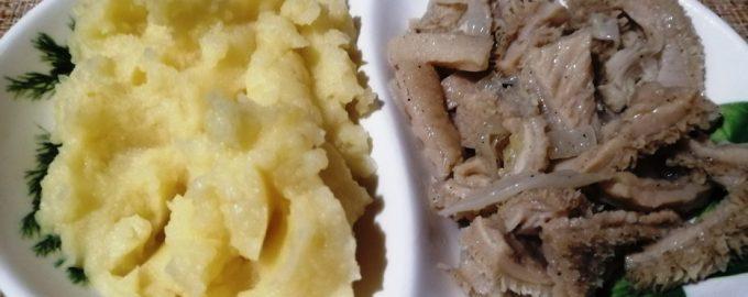 Как вкусно приготовить говяжий рубец с луком?