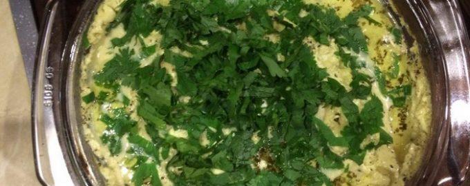 Грузинское блюдо «Шкмерули» нежнейшая курочка под сливочным соусом