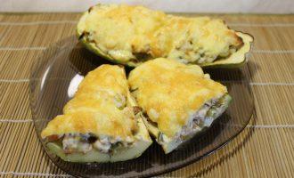 Аппетитные фаршированные лодочки из кабачка