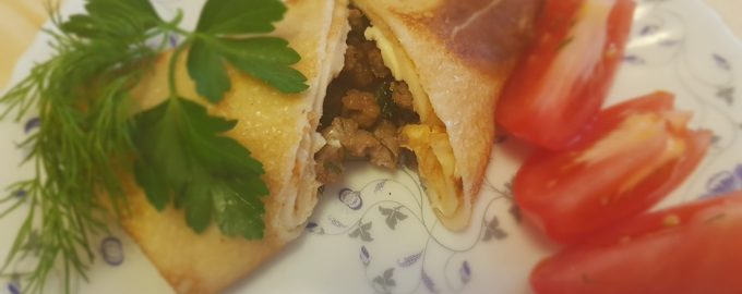 Рецепт «Блинчики с мясом» моя семейная традиция. Сколько не пробовала в кулинариях, но такого родного вкуса нет нигде