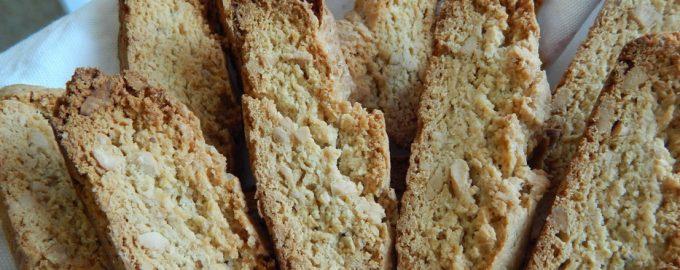 Рецепт сухого, хрустящего печенья с кешью. В Италии считается идеальным десертом к вину