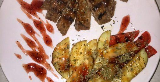 Готовлю мои любимые «Овощи гриль с мясом в вишнёвом соусе» когда хочется очутиться в ресторане, не выходя из дома