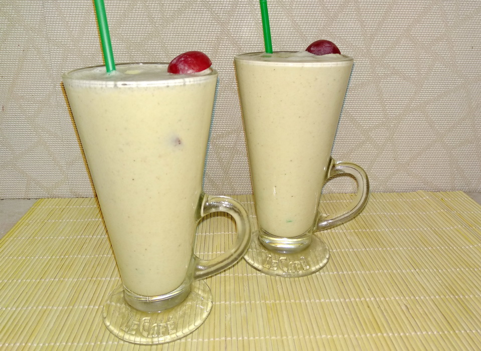 Современный десерт-коктейль на основе орехов. Пока сама не приготовила, всегда считала, что «растительное молоко» химия