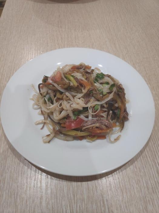 Азиатский салат с говядиной от моего мужа – частенько его готовит, чтобы излечить меня от зимней хандры