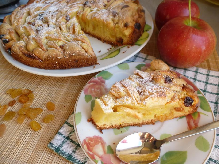 Яблочный пирог с изюмом: безумно вкусно. Готовлю его уже много лет