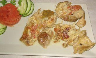 Моё чисто семейное блюдо «Тушеный кролик с томатами». Когда собираемся вместе, обязательно его готовлю
